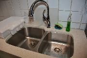 Kitchen Sink - Quartz Counter tops
